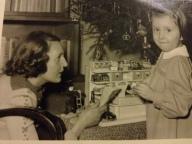 countessirenenoracountessedithchristmas1953-copia